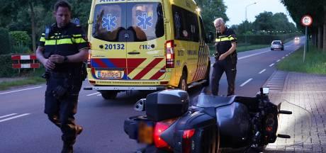 Motorrijder raakt gewond bij botsing met auto in Dongen
