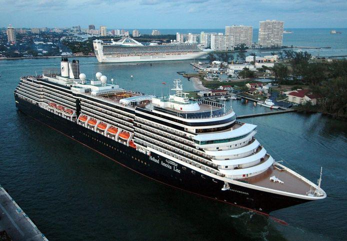 Het cruiseschip de Westerdam zou naar Japan gaan, maar vaart op dit moment met onbekende bestemming in de Zuid-Chinese zee.