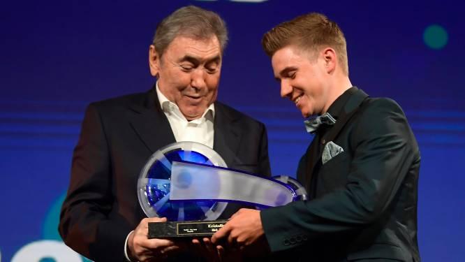Remco Evenepoel jongste winnaar ooit van Kristallen Fiets na indrukwekkend debuutjaar bij profs