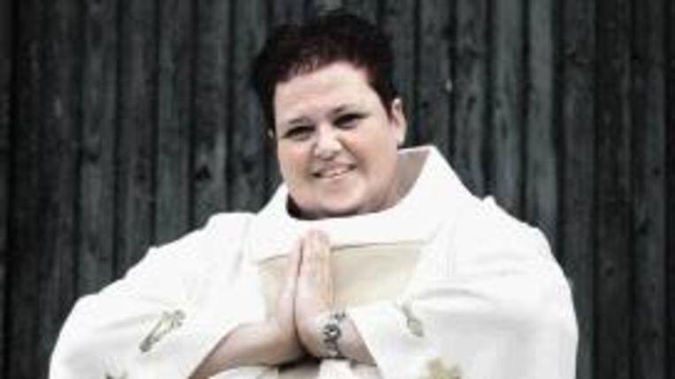 Joan Elkerbout uit Sint-Oedenrode wordt morgen gewijd tot dominee voor alle gezindten. (FOTO KOEN VERHEIJDEN) Beeld