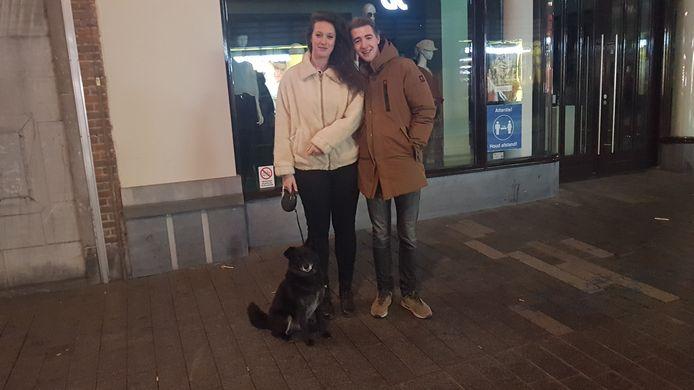 Sara en Bram met hondje Jakkie