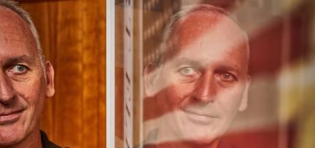 Bert Kreuk (van de D-day-vlag) wilde een eigen museum, maar is blij met wat er 'aan de muur hangt'