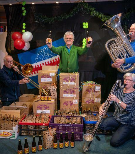 Harmonie proost met 'Angerse blonde toeter' op 100-jarig bestaan; 'Ons jubileumconcert is pas in 2022'
