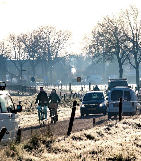 Hogeweg in Lierop is binnen één dag veranderd in racebaan: 'Het is hier wachten op ongelukken'
