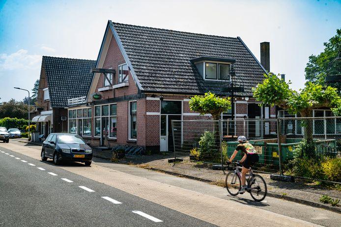 In het voormalig restaurant Bij de Gebroeders aan de Raalterweg in Wesepe komen zes appartementen.