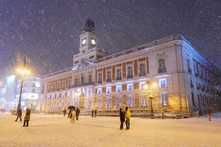Een bijzonder beeld van het Plaza Mayor. Beeld Reuters