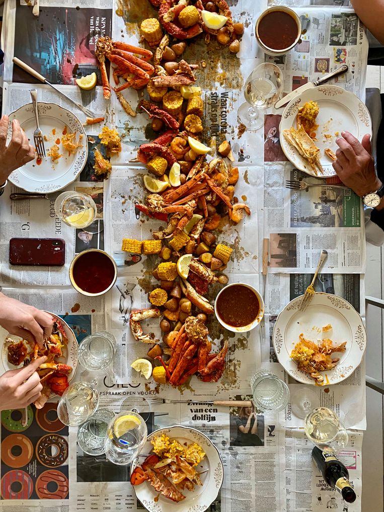 De seafood boil. Beeld