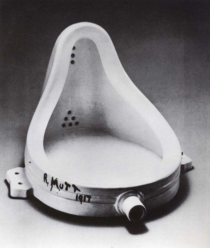 Het urinoir van Marcel Duchamp zette de kunst op zijn kop.