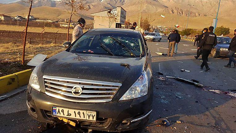 De auto van Mohsen Fakhrizadeh werd in een voorstad van de hoofdstad Teheran onder vuur genomen. Beeld AFP