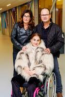 Shymo met haar moeder Ilonka en vader Ruud.