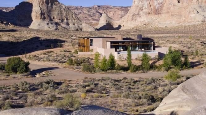 Verscholen achter rotsen en in het midden van de woestijn: de ultieme rustplek om te wonen