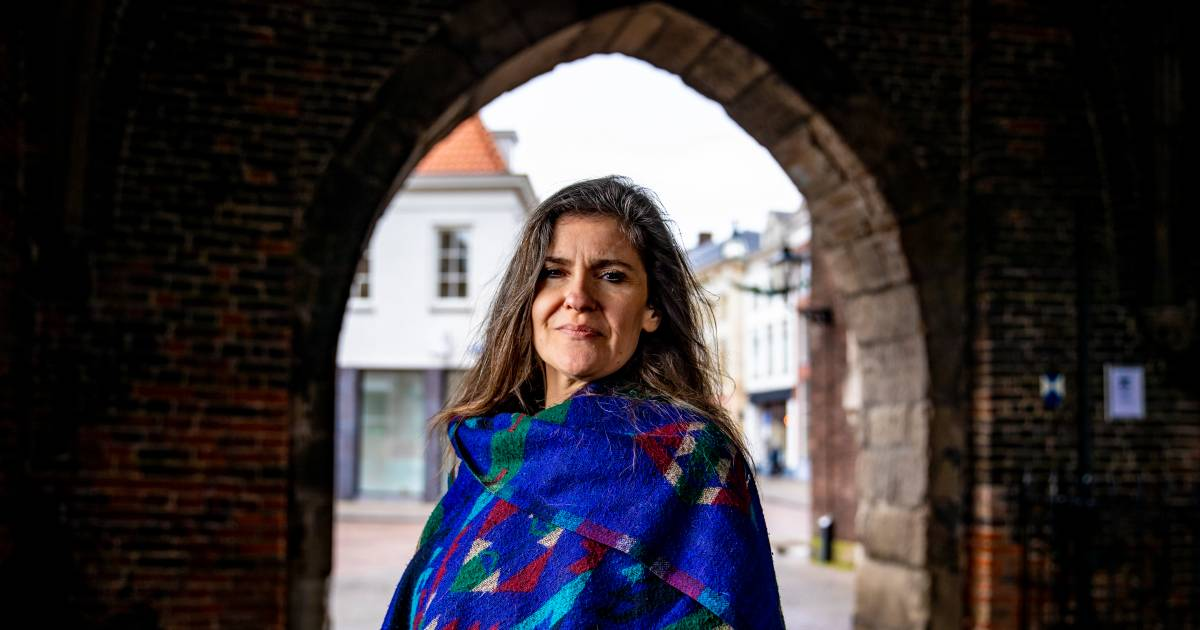 Diana (45) uit Zwolle doet niet aan mondkapjes en 1,5 meter: 'Deze crisis laat zien hoe machtverslaafd onze overheid is' - De Stentor