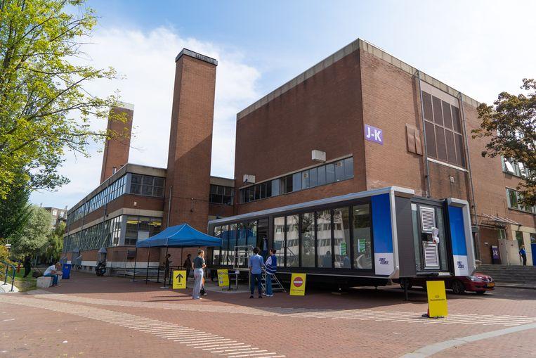 De priklocatie bij de Roeterseiland Campus. Beeld Birgit Bijl