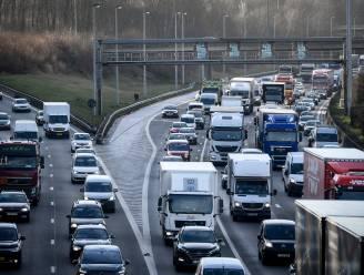 Tot 200 km file op Vlaamse hoofdwegen: langste files sinds september door uittocht voor verlengd weekend