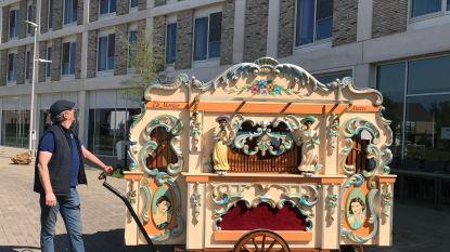 Chocolatier verblijdt rusthuisbewoners met orgelconcert