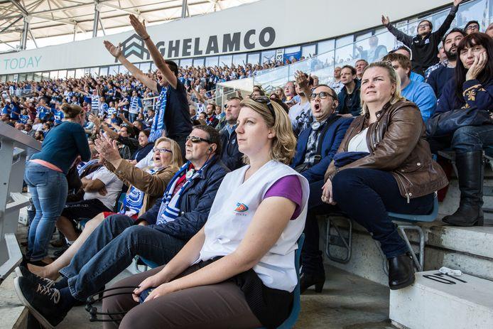 De blindentribune in de Ghelamco Arena - er zullen zeven Buffalo's met een visuele beperking afreizen naar Brussel.