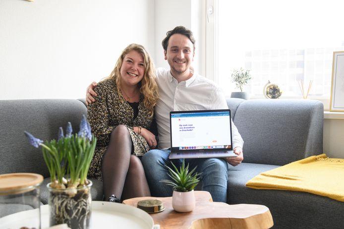 Jasper en Eva zoeken zich suf naar een eerste koopwoning. Het is geen verrassing dat dat niet lukt. Nu hebben ze een online campagne bedacht. Met website en alles erop en eraan.