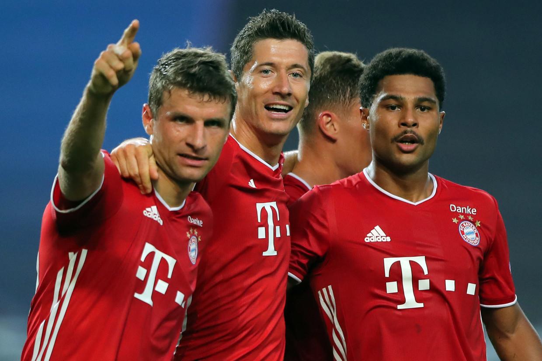 Thomas Müller  (l.), Robert Lewandowski (c.) en Serge Gnabry (r.) behoren al het hele seizoen tot de uitblinkers bij Bayern. Beeld AFP