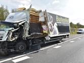 A16 bij Galder richting Breda weer open na botsing tussen vrachtwagens