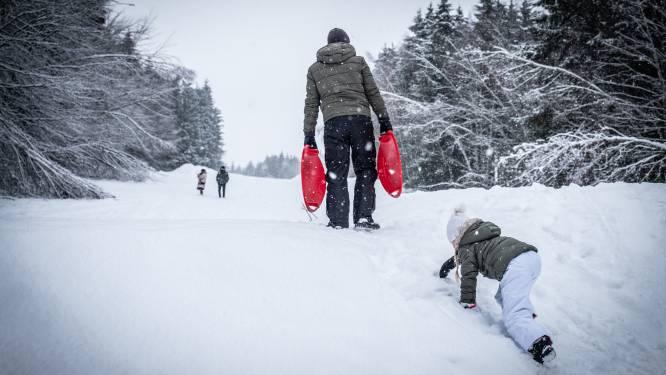 Droog in het westen, kans op buien in het oosten, alleen nog sneeuw in de Ardennen