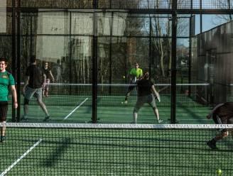 """""""Voor je het weet, ben je aan padel verslaafd"""": Antwerps topspeelster ontrafelt het geheim van dé sporthype. Plus: vijf terreinen in uw buurt"""