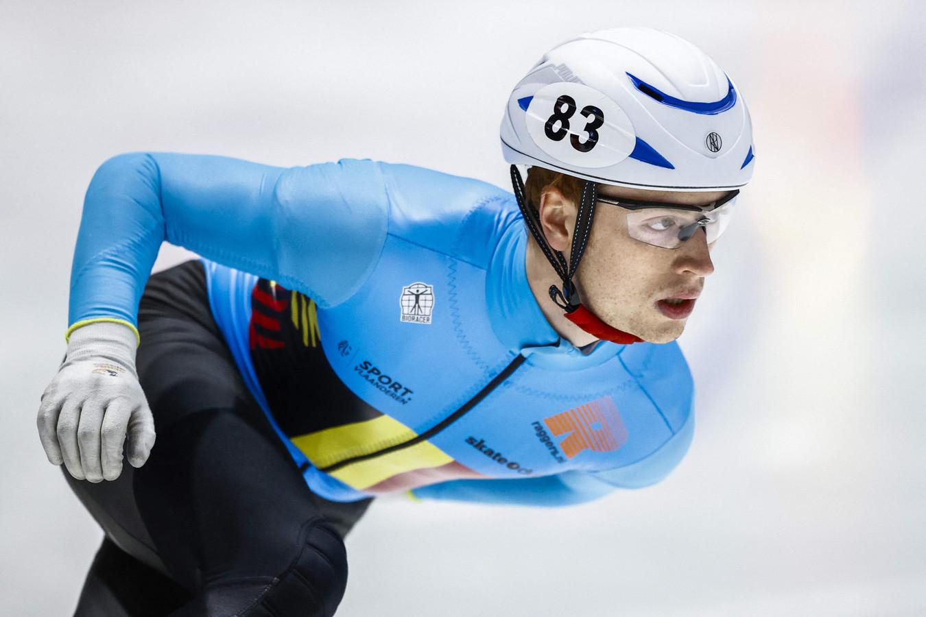 """Rino Vanhooren: """"Ik kan het alleen maar positief bekijken, want ik heb een persoonlijk record geschaatst op de 500 meter."""""""