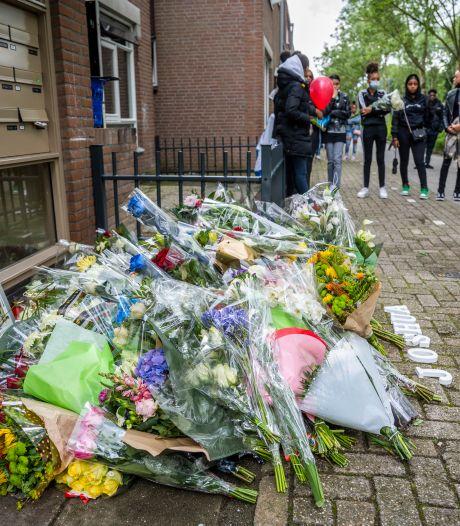 Gemist? Joshua (15) ging met mes naar confrontatie en erehaag van ambulances bij afscheid Kees Veldboer