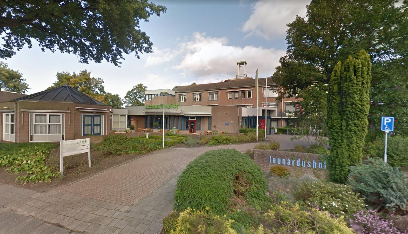Woon-zorgcentrum Leonardushof in Wouw gaat tegen de vlakte om plaats te maken voor nieuwbouw.