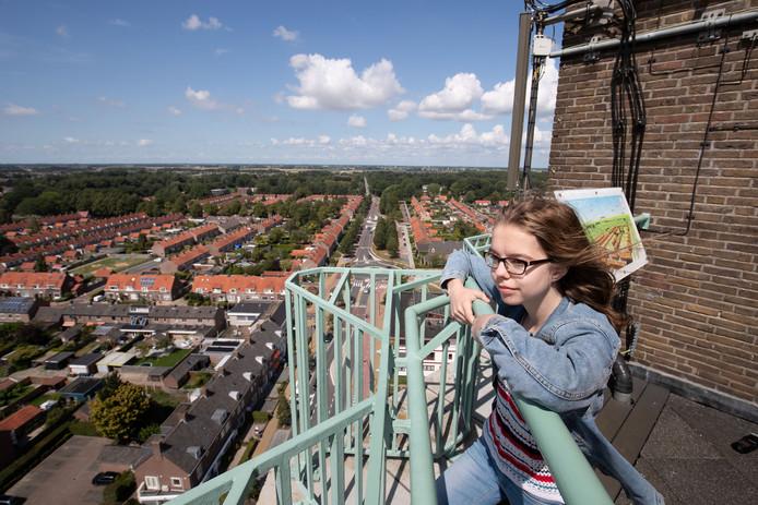 Anne-Roos Peters zou wel willen abseilen van de Poldertoren.