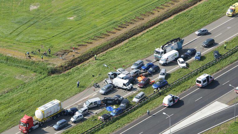 Luchtfoto van de ravage op de A58 tussen Goes en Middelburg Beeld ANP