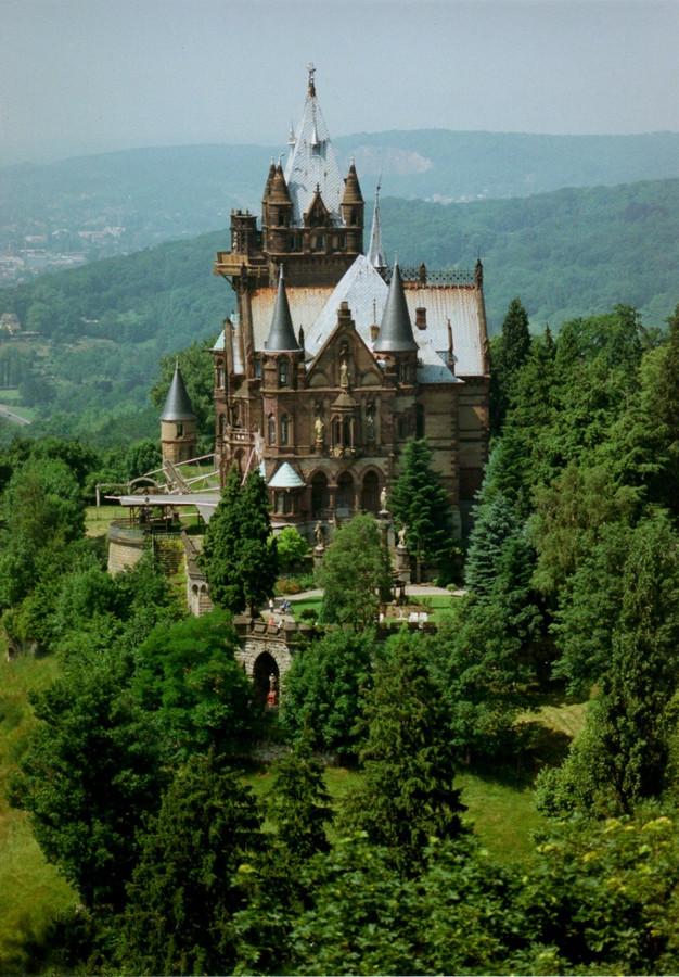 Het Slot van Drachenburg.