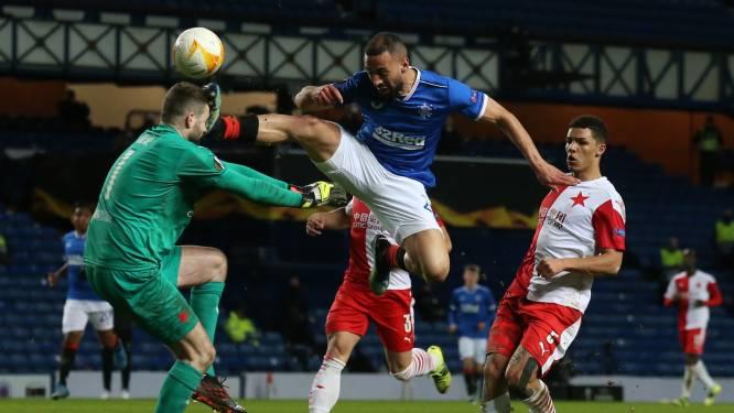 Ex-Anderlechtspeler Kemar Roofe krijgt rood na doodschop op het hoofd van doelman, duel tussen Rangers en Slavia ontspoort