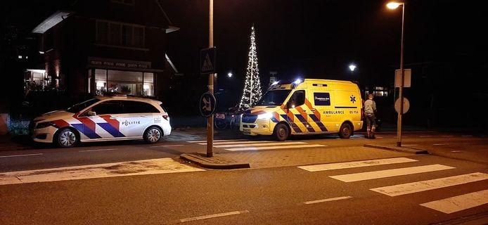 Een scooterrijder is vrijdagavond gewond geraakt in Almelo.