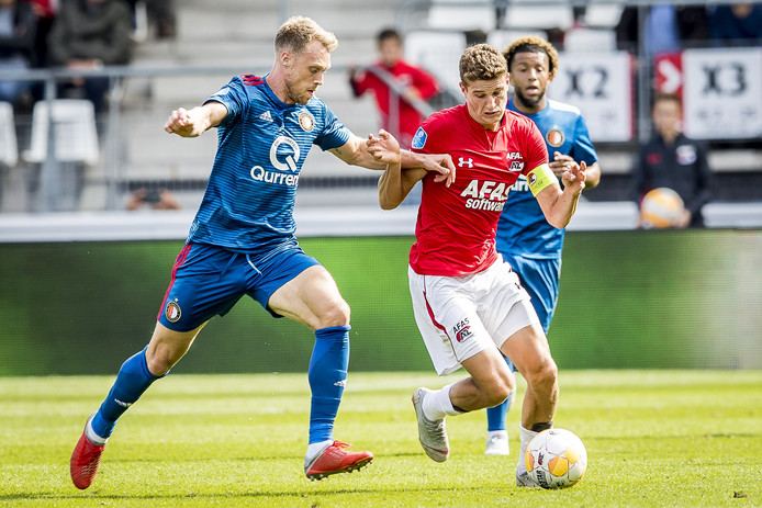 2018-09-16 14:06:10 ALKMAAR - 16-09-2018, AFAS stadion. Dutch football Eredivisie season 2018 / 2019.   (Left-right) Feyenoord player Nicolai Jorgensen ,AZ player Guus Til during the match AZ - Feyenoord.