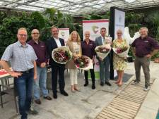 Onderzoek naar waardevolle reststromen in de glastuinbouw: geurend papier van bloemen
