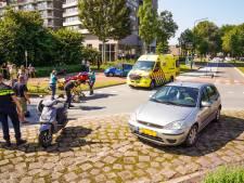 Vrouw op brommer gewond na aanrijding met auto in Geldrop