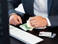 'Graaiende penningmeester Vrienden van Arnhems verpleeghuis verbraste ook erfenis van 120.000 euro'