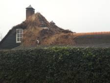 Grote brand in woning Uden geblust: 'Het is net een oorlogsgebied'