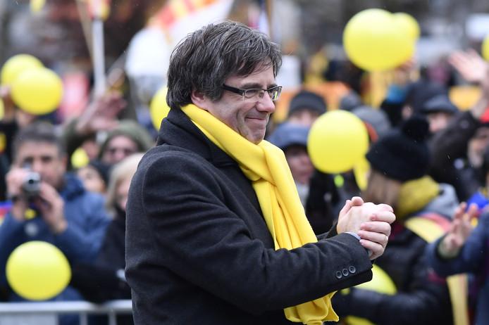 Carles Puigdemont dankt voor alle steunbetuigingen.
