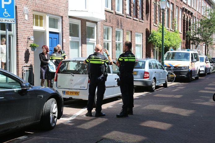 Het kindje viel uit het raam op de eerste etage van een woning aan de Nicolaas Tulpstraat.
