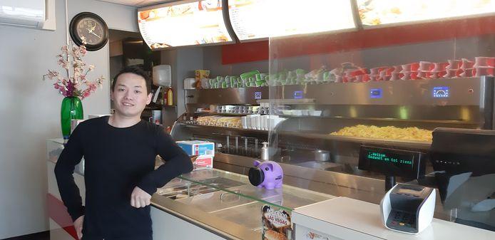 Eigenaar Li Jin van Cafetaria Klundert