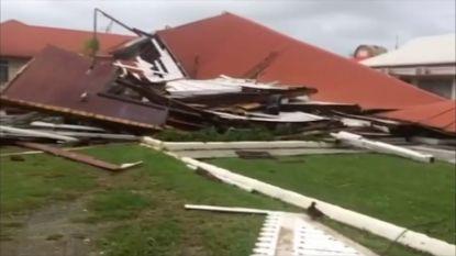 Sterkste cycloon in zestig jaar vernielt parlementsgebouw Tonga