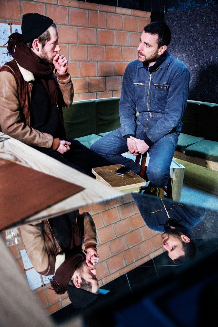 Frederik Willem Daem (links) in gesprek met Jozef Wouters. Beeld Tim Dirven