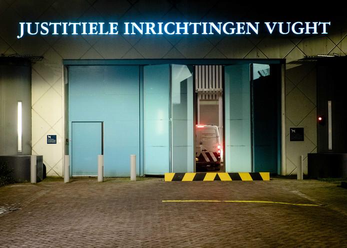 De gemeente Vught heeft minister Sander Dekker gevraagd een extra beveiligde rechtbank in de gevangenis van Vught te plaatsen.