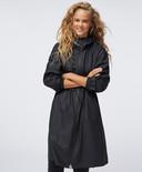 Veste imperméable Oysho - 59,99 euros - Disponible en boutique ou en ligne.