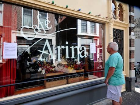 Eigenaresse café Arina na verplichte sluiting: 'Ik ben me het leplazerus geschrokken'