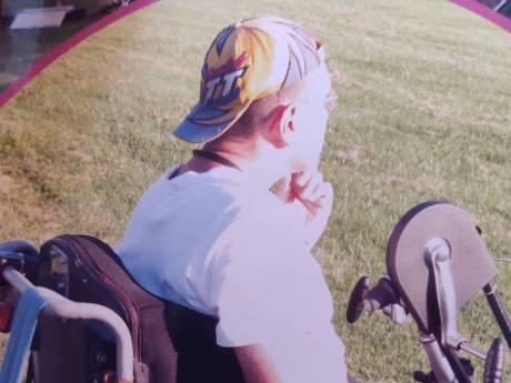 Joris' op maat gemaakte rolstoel is spoorloos na ziekenhuisopname