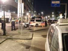 Fietsster gewond bij aanrijding Prinsessegracht, scooterrijder rijdt door