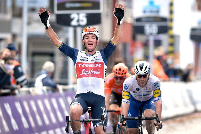 Mads Pedersen wint Gent-Wevelgem.  Beeld AFP