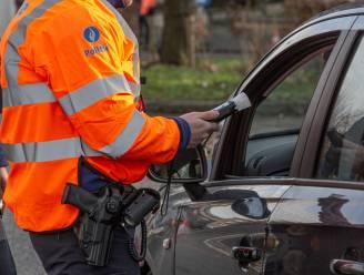 """Chauffeur wisselt van plaats met vrouw om alcoholcontrole te omzeilen: """"Zijn rijbewijs lag nog op de politierechtbank"""""""
